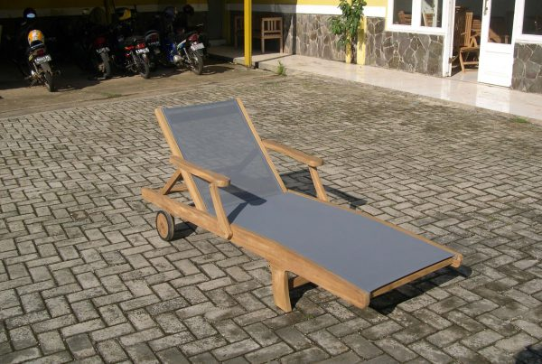 batyland lounger