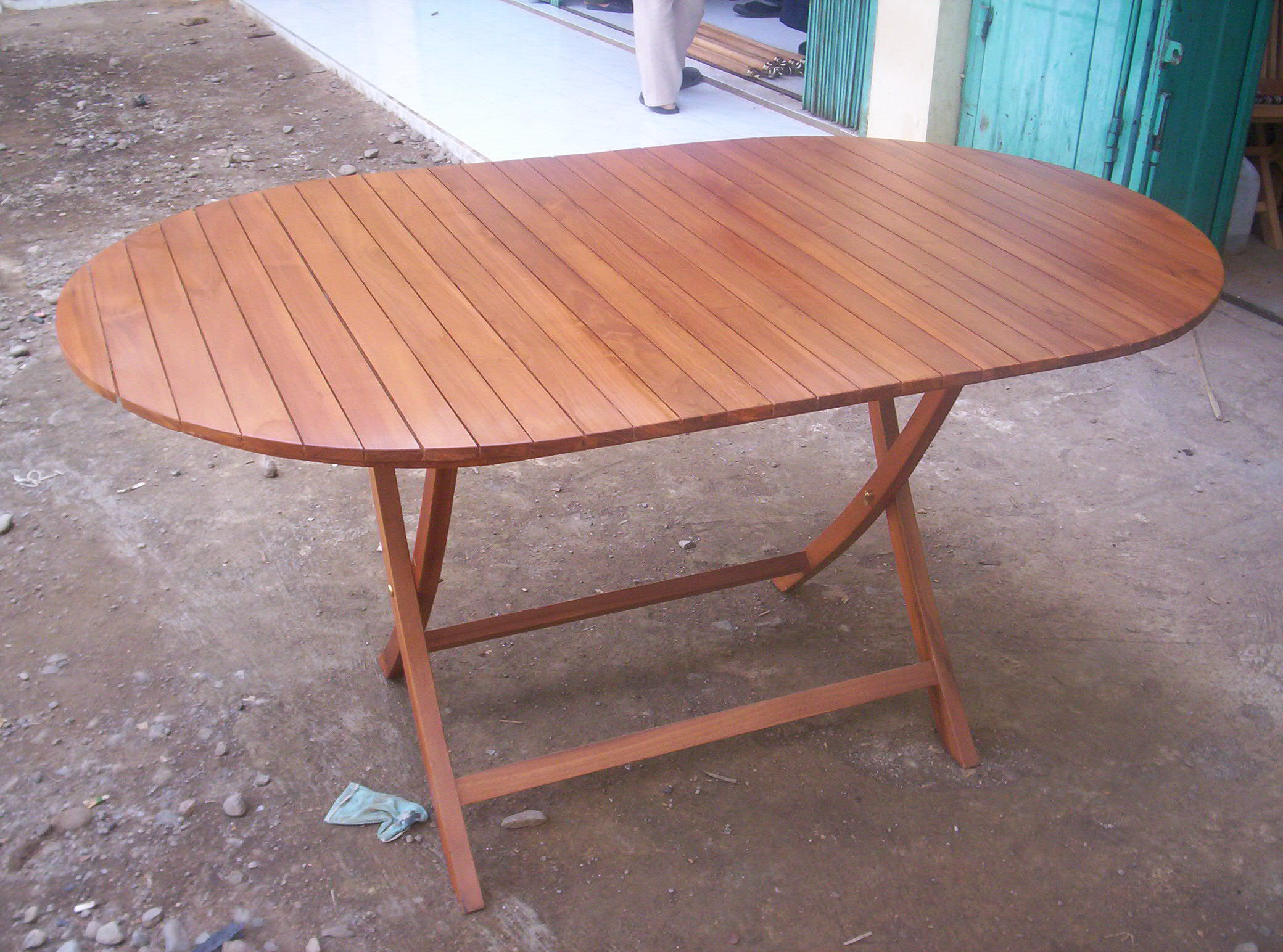 Oval folding table 120 70 cm javanesiateak for Table carree 120 cm